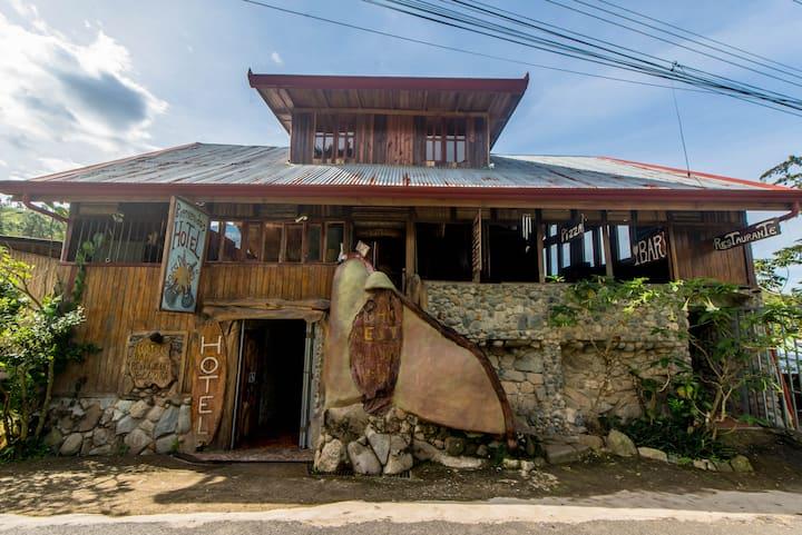 Hotel Bar y Restaurante Roca Dura Café