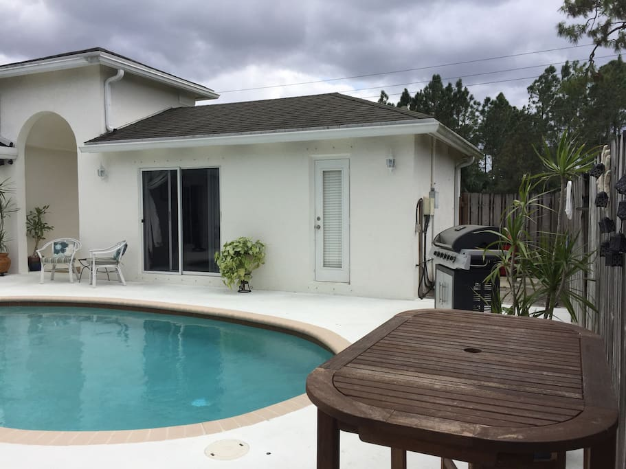 Pool Cabana Wifi Directv Guest Suites For Rent In West Palm Beach Florida United States