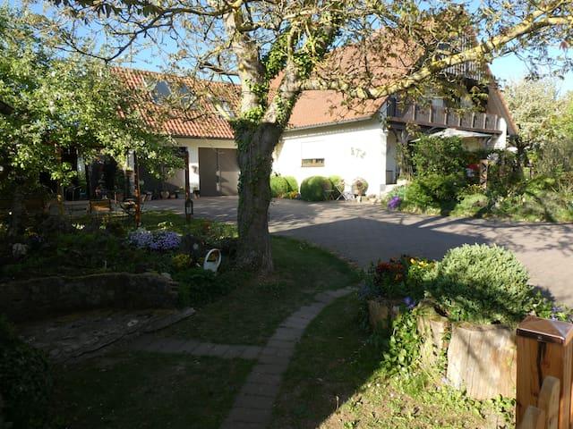 Helle, freundliche Ferienwohnung in Thuisbrunn