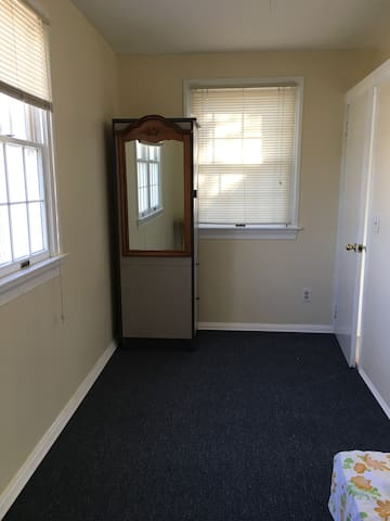 Spring or Summer housing /small room with bath