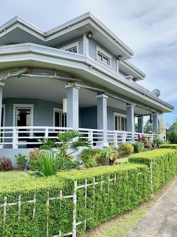 Tagaytay Highlands house with full terrace