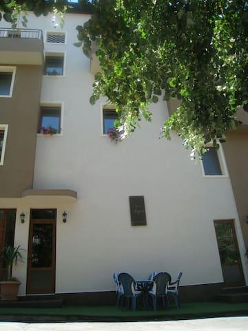 Отличная квартира для отдыха! - Pomorie - Apartment