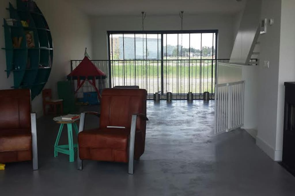 Large living room with space for children to play