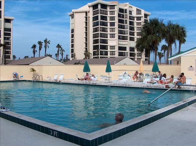 1st Fl Oceanfront Gated Resort, Pools, Golf Course - Fort Pierce - Condominium