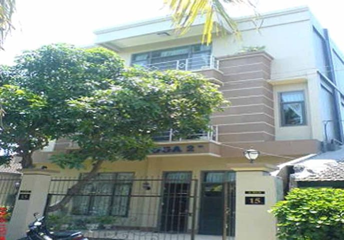 Town House, Rooms Rp. 280.000/room/night - Selaparang - Maison