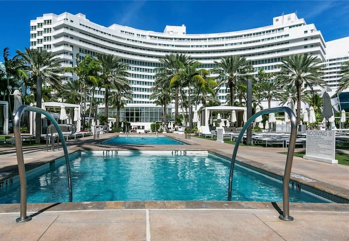 FontaineBleau Resort, w/ Balcony 10 min from SoBe