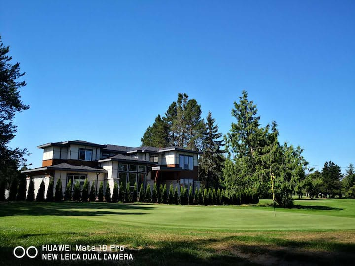 Delta New Luxury Villa Inside a Golf Course