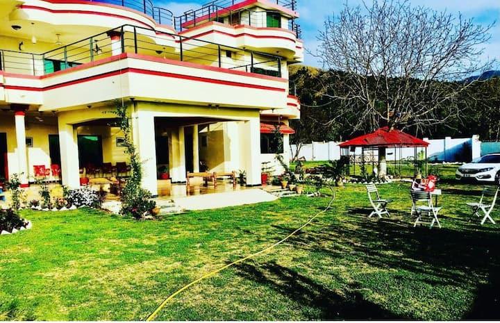 Kakul House, next to harnoi, ayubia, nathiagali.