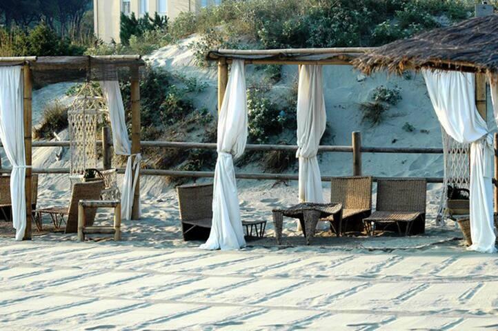 Spiaggia attigua al residence