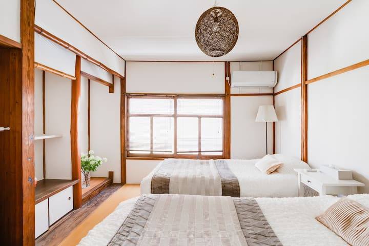 OSAKA Traditional Japanstyle house 1min Dotonbori