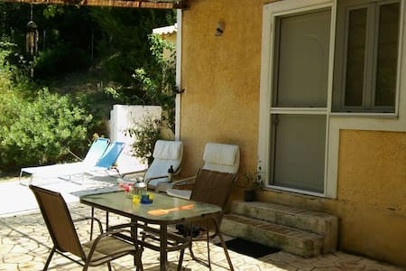 Stavros studio in nature ! Very quit ! - Corfu - Hus