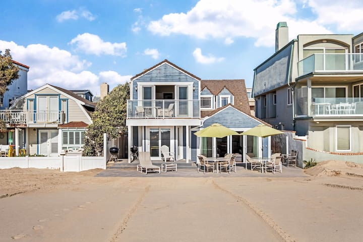 Charming oceanfront home w/ lovely interior - step right onto the beach!