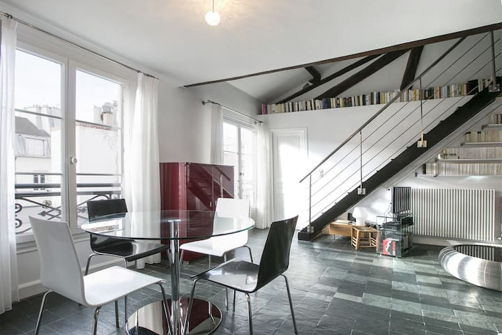 AMAZING LOFT IN THE HEART OF ST GERMAIN DES PRES