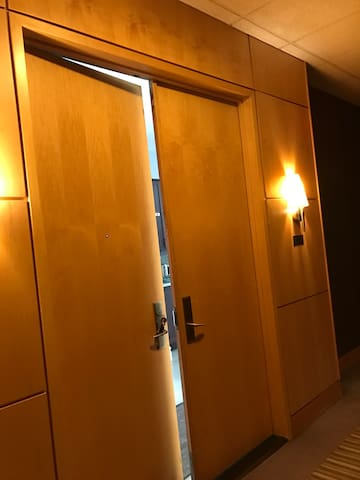 Luxury Upper Penthouse Suite- Toronto/Richmondhil - Markham - Wohnung