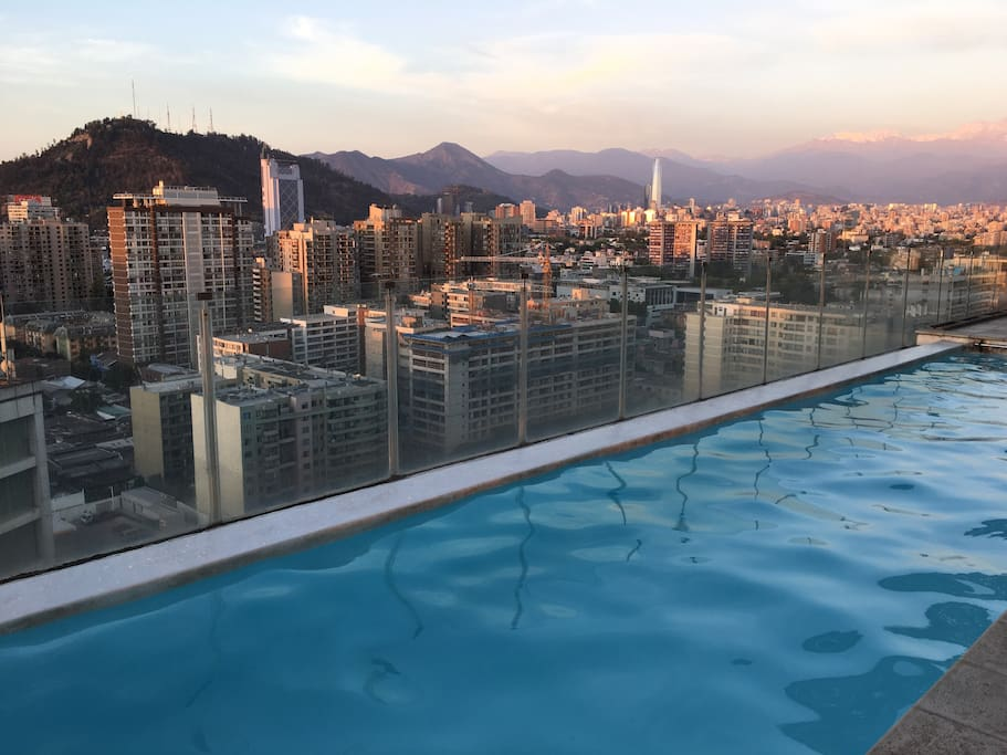 Piscina piso 25 vista a Santiago. Pool Building, 25th floor. Incredible views