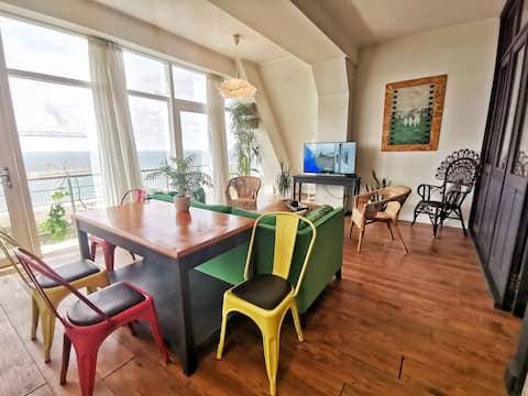 Elegante apartamento con vista al mar