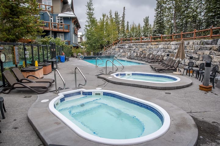 Hot tubs and heated pool area.