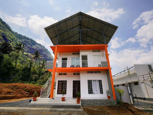 OYO Elegant 2BHK Stay, Adimali, Munnar-Flash Deal⚡