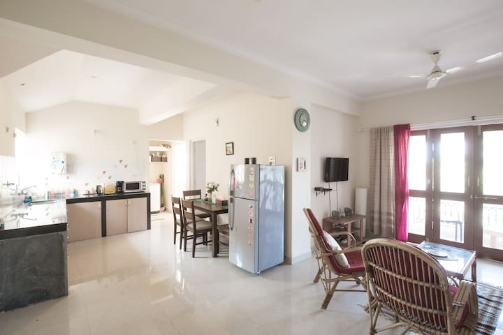 Sea-facing 2 bedroom apt South Goa. - Benaulim - Pis