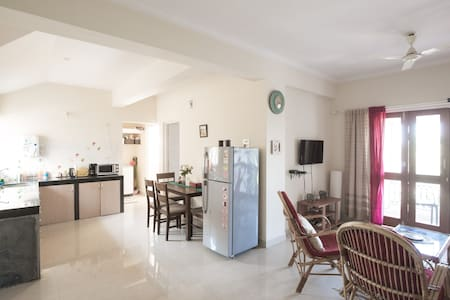 Sea-facing 2 bedroom apt South Goa. - Benaulim - Appartement