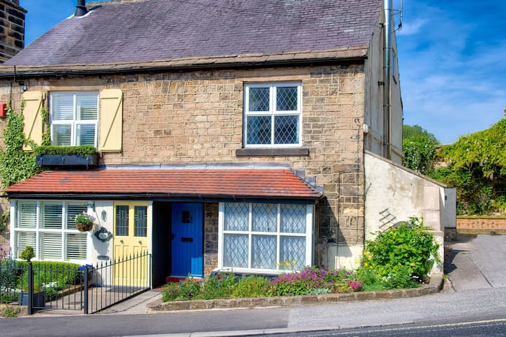 Half Moon Cottage Knaresborough