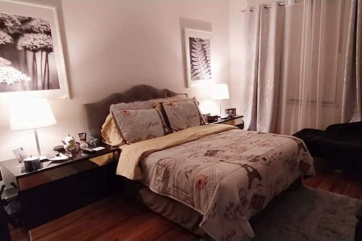 Cozy bedroom in Jersey City 20 minutes from NYC