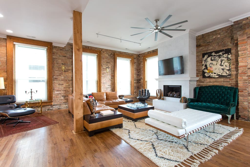 2 Bedroom Downtown Loft Pinterest Worthy Condominiums For Rent In Chicago Illinois United