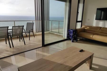 Appartement LUXE 120 m2 Plage des Nations, Vue Mer