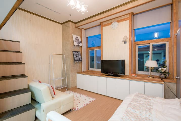#Lovely Myeongdong 3 Duplex house#subway 1min - Jung-gu - Leilighet
