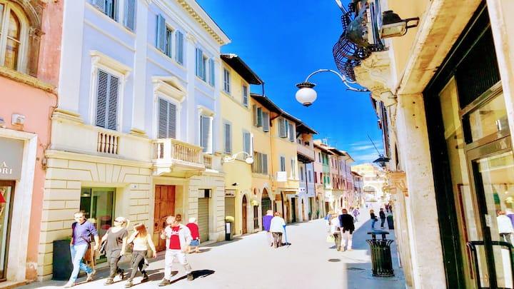 Spoleto Contessa Grande/central Spoleto/sleeps  6