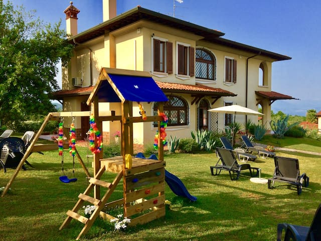 VILLA WITH BEAUTIFUL LAKE VIEW AND CHILDREN AREA