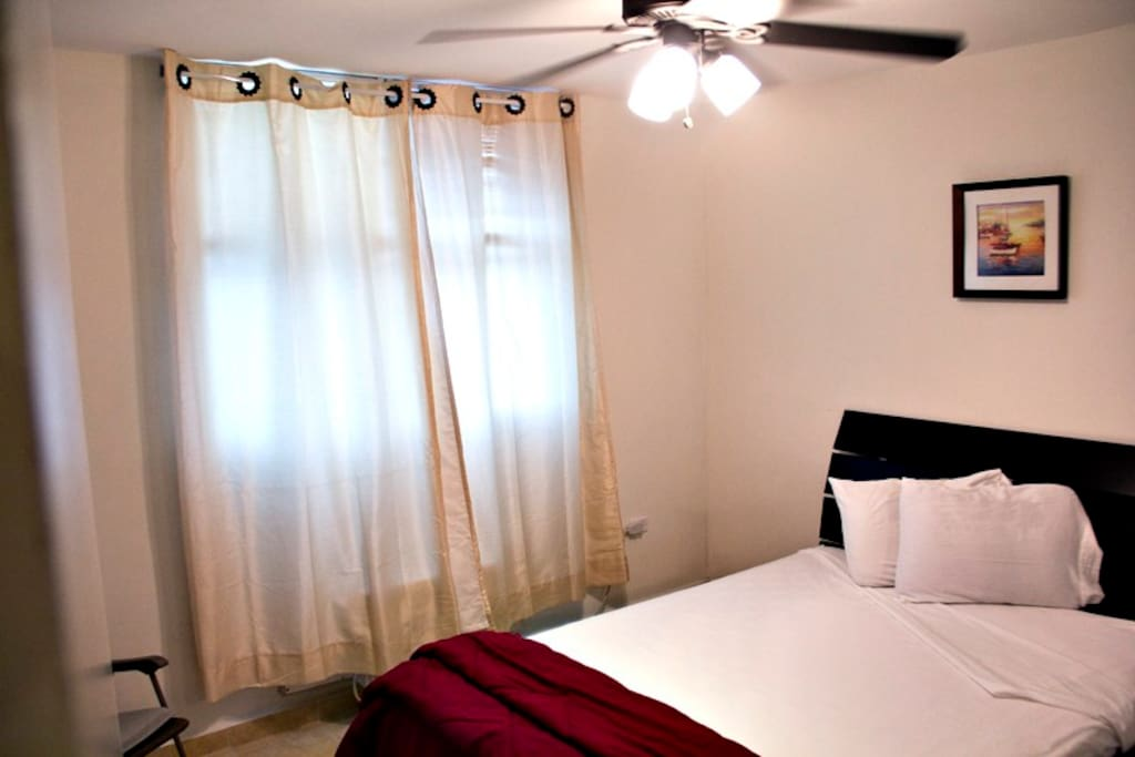 2 of 3 bedrooms, queen size beds, AC, Cable TV, ceiling fan,