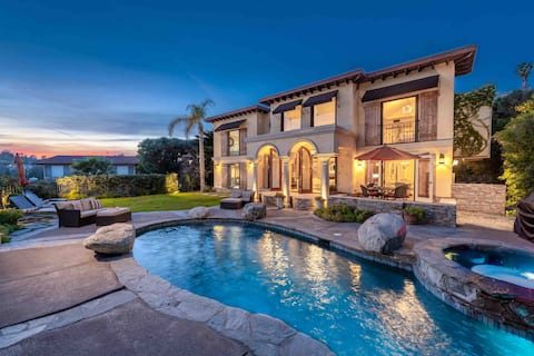 StayCation Villa - family, swim, work etc.. Luxury