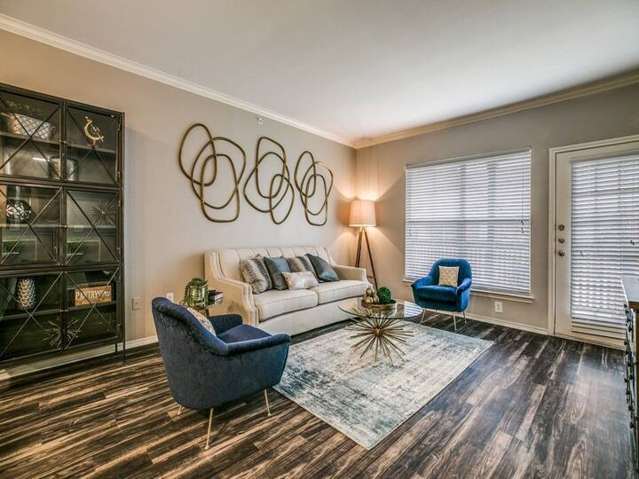 Flexible living at its finest | 1BR in Grapevine