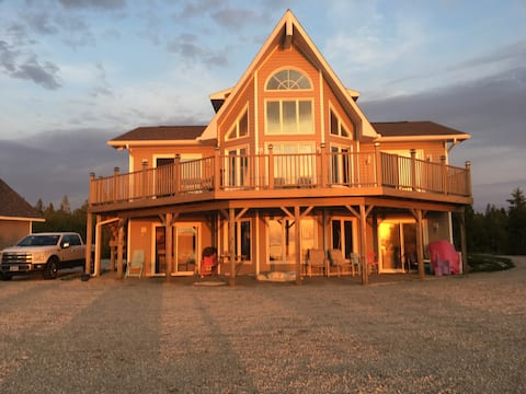 Lake Huron Spectacular Cottage Home