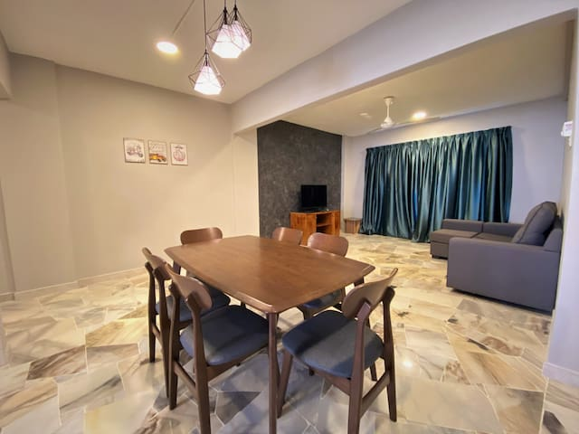 FAMILIES & FRIENDS 3R2B 4-8pax Port Dickson Condo