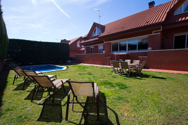 Villa Sant Cugat 20km from Barcelona! - Sant Cugat del Vallès - Villa