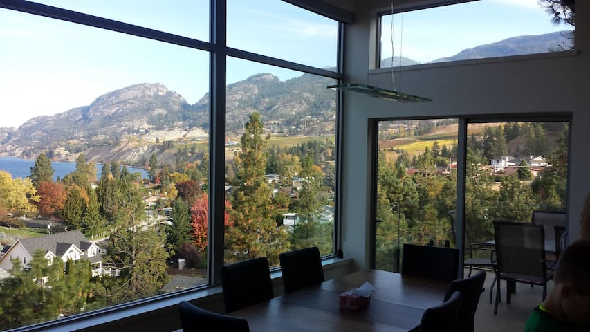 4 BD, stunning views on wine trail - Penticton - Hus