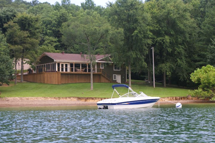 The Lake House on Dale Hollow
