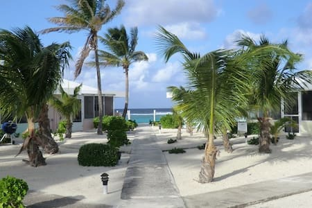 Grand Cayman Sea Lodge Oceanfront on North Side - North Side - Osakehuoneisto
