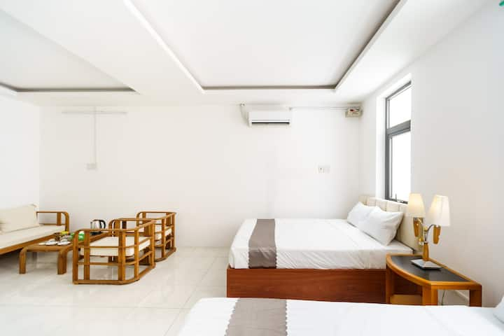 Twin room with windows - Luxhome Vincom Shophouse