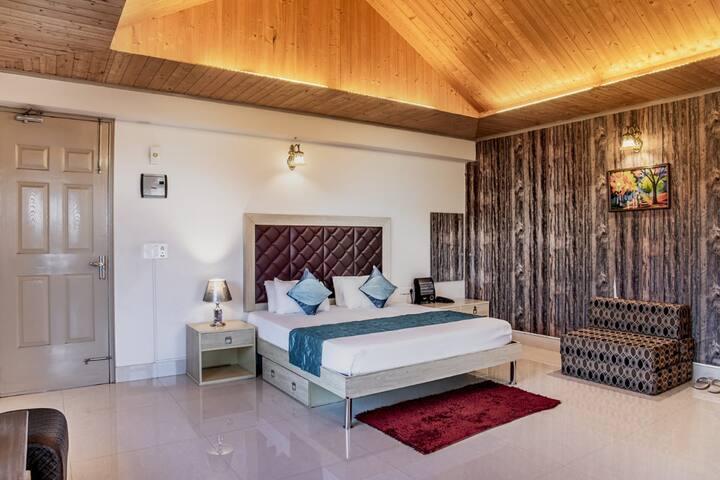 Pine cottage| 2 Bedroom| Pvt. Terrace| Bonfire