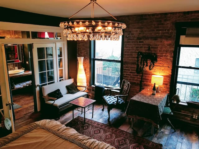 Luxurious Boutique Studio Red Hook Brooklyn