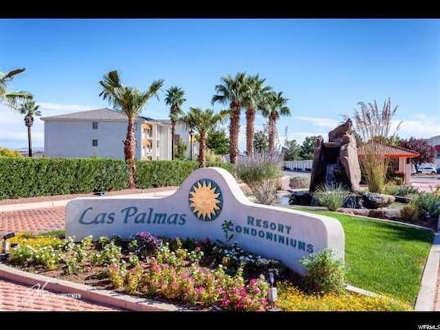 3 Bedroom Condo in Las Palmas, pool spa sleeps 6+! - 세인트 조지(St. George)