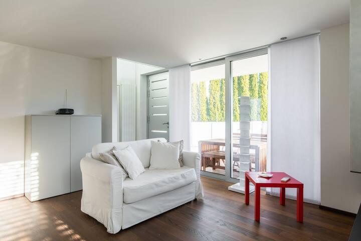 Bright designer duplex (CASA RONCHETTO)