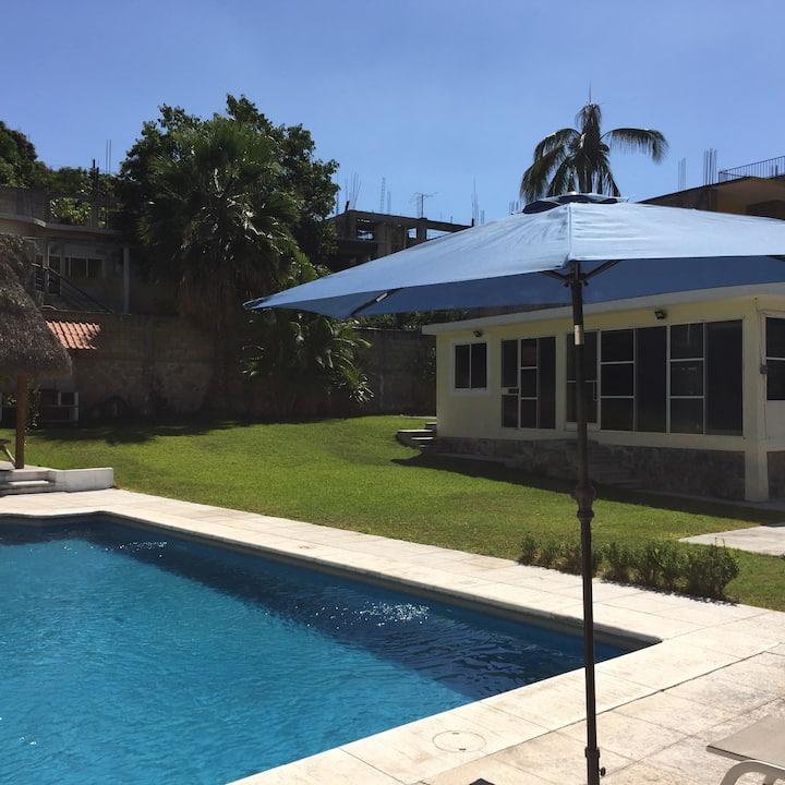 Casa en Tequesquitengo con alberca privada y Wifi