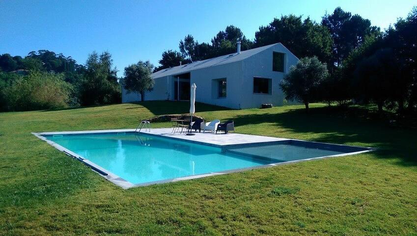 Casa 4 quartos e piscina privativa - Rabalde