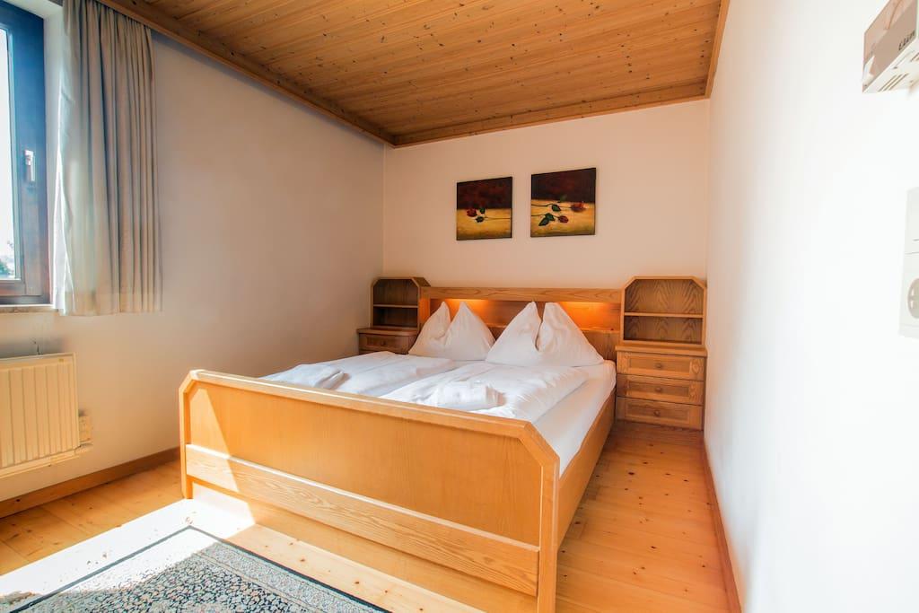 Schlafzimmer 1 - bedroom 1