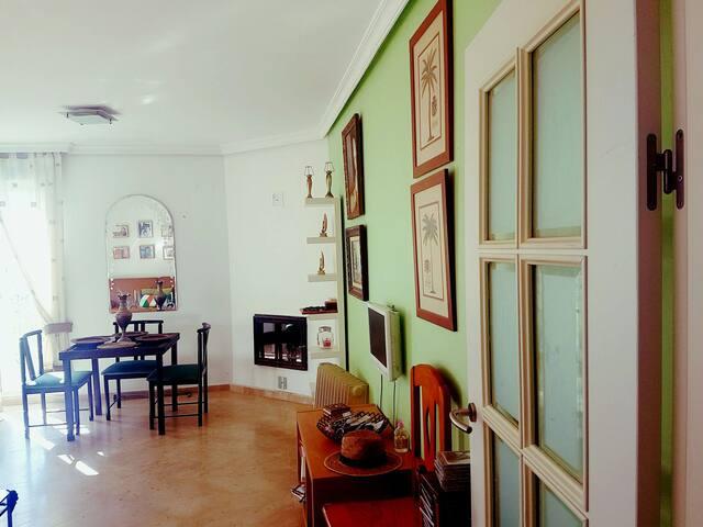 PRECIOSA CASITA FAMILIAR ZONA de PLAYA  y GOLF - ミハス - 別荘