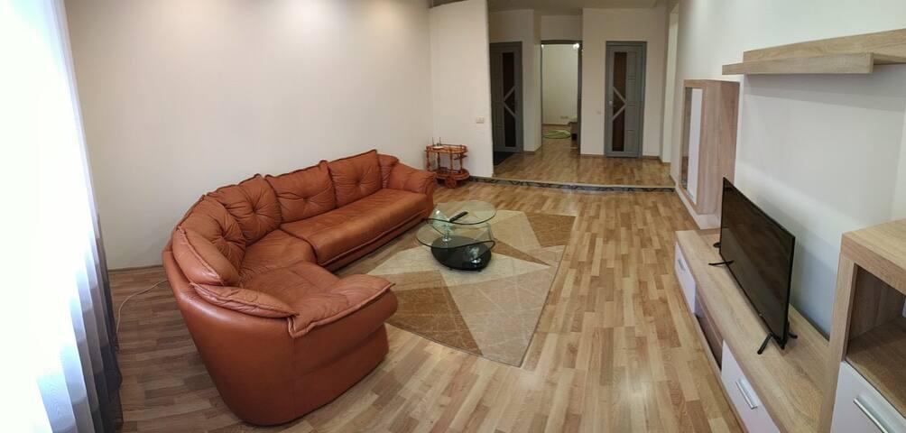 просторная 3к квартира на Проспект Свободы 18